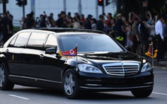 Ông Kim Jong Un xài xe chống đạn, hãng Daimler không biết ở đâu ra