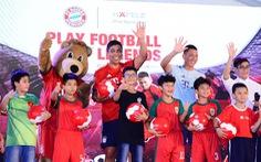 Hàng trăm người tham gia giao lưu với huyền thoại FC Bayern