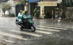 TP.HCM đổ mưa từ rạng sáng, đã vào mùa mưa?