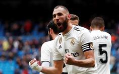 """Benzema lập cú đúp giúp Real Madrid """"thoát chết"""" trước Eibar"""