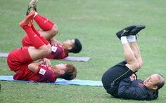HLV Park Hang Seo quá bận rộn