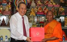 Phó thủ tướng Trương Hoà Bình chúc Tết Chôl Chnăm Thmây