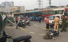 Nữ tài xế đạp nhầm chân ga, lao ôtô vào hàng loạt xe máy