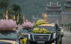 Hơn 400 xe hoa đi từ chùa Bầu đến chùa Tam Chúc mừng Đại lễ Vesak 2019