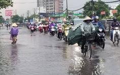 Miền Bắc mưa lớn, miền Nam nắng nóng xen lẫn mưa dông