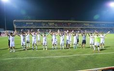 Sân Hàng Đẫy: Viettel đại bại trên sân nhà