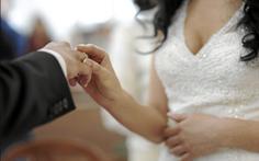 50 người bị bắt trong đường dây làm kết hôn giả của người Việt tại Mỹ