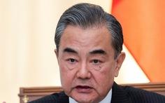 Ngoại trưởng Trung Quốc cảnh báo Mỹ 'chớ đi quá xa'