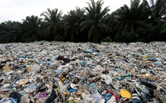Đến Malaysia trả lại rác nhựa cho các nước lớn