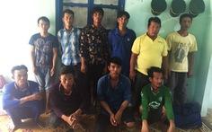 Bị bóc lột, 11 ngư dân ôm phao nhảy tàu được cứu kịp