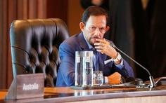 Quốc vương Brunei trả lại bằng danh dự cho Đại học Oxford