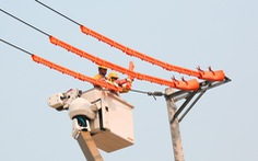 Điện Mông Dương bị sét đánh, TP.HCM mất điện nhiều nơi ở 14 quận huyện