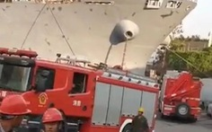 Tàu hàng Trung Quốc nổ tại cảng, ít nhất 10 người thiệt mạng