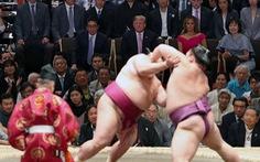 Ông Trump đi coi đấu sumo - ác mộng của mật vụ Mỹ