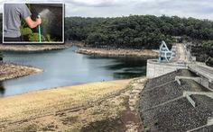 Trời hạn, Sydney bắt đầu phạt tiền nếu phí phạm nước