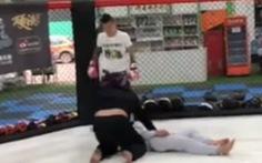 Môn đồ Vịnh Xuân bị võ sĩ MMA đo ván trong chớp mắt