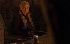 Khó tin: Game of Thrones 'để quên' ly cà phê thế kỷ 21 vào phim