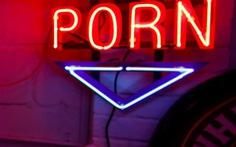 Tiểu bang Mỹ xác định nội dung khiêu dâm 'đầu độc tâm trí con người'