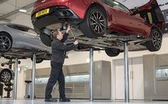 Chăm sóc xe cùng chuyên gia Aston Martin