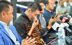 Tay vợt Lee Chong Wei tuyên bố giải nghệ trong nước mắt
