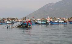 Lật thuyền chở 15 người ở vịnh Vân Phong, 3 người thiệt mạng