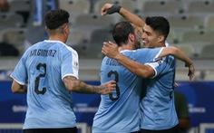 Cavani và Suarez lập công, Uruquay đè bẹp Ecuador 4-0