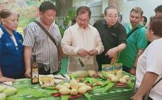 Nông dân Philippines trúng mùa xoài, bán rẻ như cho