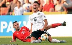 Video chấn thương 'rợn người' ở Giải vô địch U21 châu Âu