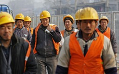 Dân Bangladesh 'đòi công lý', đánh nhau tưng bừng với công nhân Trung Quốc