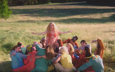 Katy Perry, Cardi B, Camila Cabello... đồng loạt 'khiêu chiến'