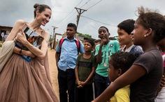 Nhật ký những chuyến đi của Angelina Jolie: Hành trình của một người từ ái