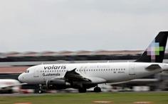 Hãng hàng không Mexico xuất vé 1 đô cho người di cư