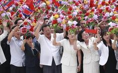Biển người Triều Tiên reo hò 'vạn tuế', mừng ông Tập đến thăm
