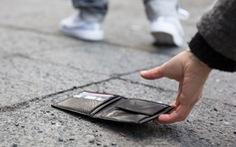 'Đánh rơi' hơn 17.000 chiếc ví khắp thế giới để thử lòng lương thiện