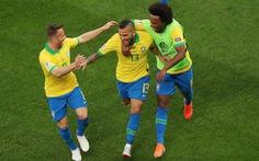 Đè bẹp Peru, Brazil vào tứ kết với ngôi đầu bảng A