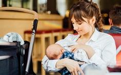 Không cần cho trẻ sơ sinh dưới 6 tháng tuổi uống nước