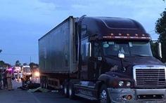 Va chạm xe container, nữ cán bộ coi thi tử vong, để lại 2 con khuyết tật