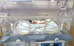 Bé gái sinh non 1,4kg đã tìm được mẹ nhờ Facebook