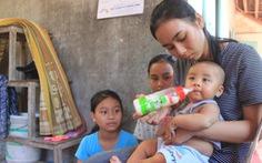 Mẹ trúng sét qua đời, nữ sinh chăm 3 em nhỏ quyết tâm thi để giúp gia đình
