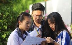 Học phổ thông hay 'luyện gà' vào đại học?