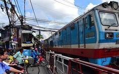 Tàu hỏa SE25 'bàn giao' con trai cho gia đình một thí sinh bỏ thi đi Sài Gòn