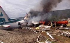 Máy bay chở 46 người lao vào nhà máy, hai phi công thiệt mạng