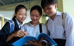 Nhiều tỉnh công bố cho học sinh tiếp tục nghỉ học đến đầu tháng 5