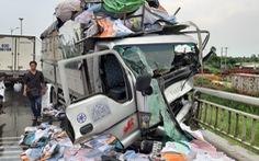 Xe tải tông xe máy, hất văng người đàn ông xuống cầu Rạch Miễu tử vong