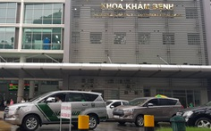 Bé trai 20 tháng tuổi bị xe tông nguy kịch ngay trong bệnh viện