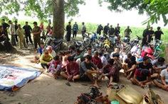 Bắt hàng chục người đi ghe ra đảo giữa hồ Dầu Tiếng để sát phạt