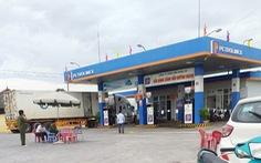 Một nữ nhân viên bán xăng bị đâm chết lúc rạng sáng