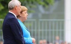 Bà Merkel run rẩy bất thường lần thứ 3 trong một tháng