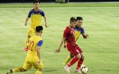 U23 Việt Nam thắng sát nút U18 tỉ số 1-0, HLV Park nhiều lần... lắc đầu