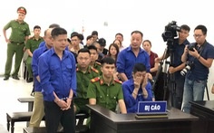 Hoãn phiên tòa xử Hưng 'kính' vụ bảo kê chợ Long Biên vì vắng luật sư